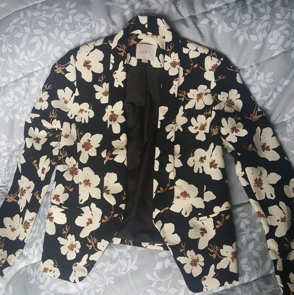 LOFT Jackets & Blazers - Loft Floral Blazer